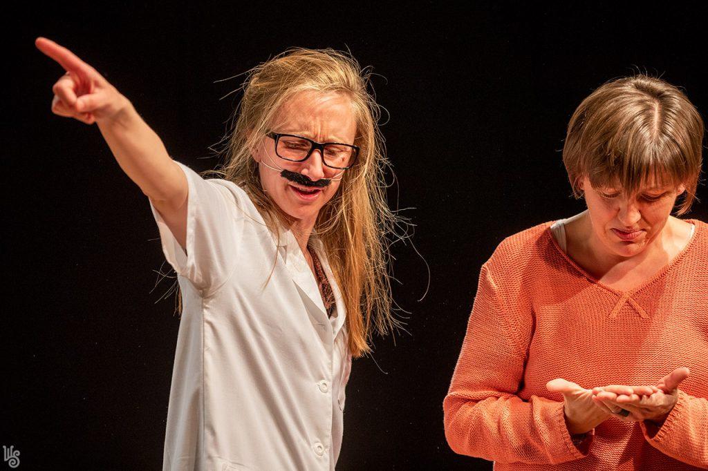 Antal D. Csaba és Szandtner Anna - Lehet a gátmetszésről, az otthonszülésről és a hálapénzről színházat csinálni? 2